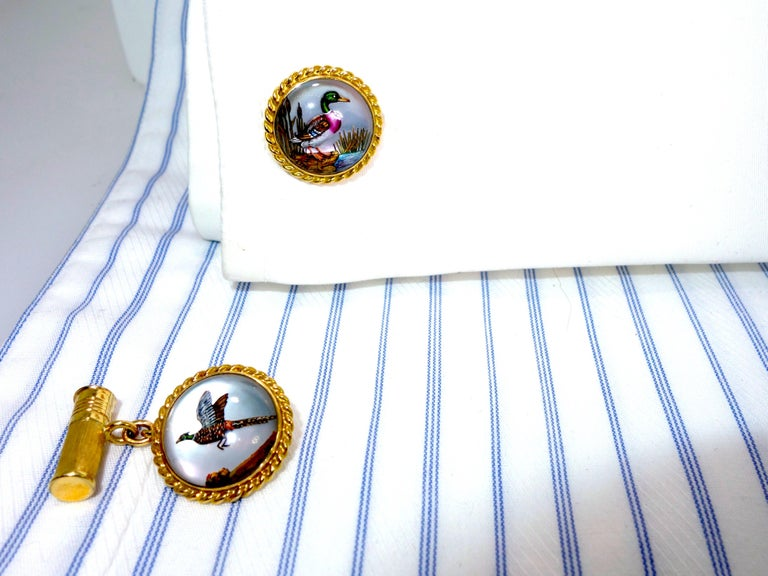 Cufflinks in Gold with a Fine Enamel Hunting and Shot Shell Motif, circa 1935 In Excellent Condition For Sale In Aspen, CO