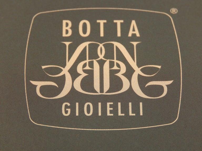 Vintage Engraved 18 Karat Rose Gold Black Elk Cufflinks Hangcrafted in Italy For Sale 4