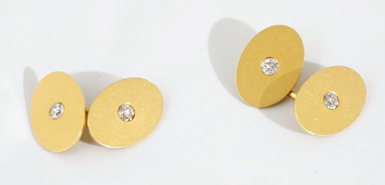 Tiffany & Co. Oval Cufflinks 18 Kt Gold with Diamond, United States circa 1900 In Good Condition For Sale In London, GB
