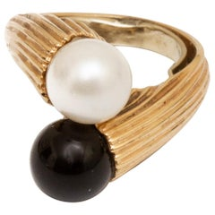 Cultured Pearl and Black Onyx Ring
