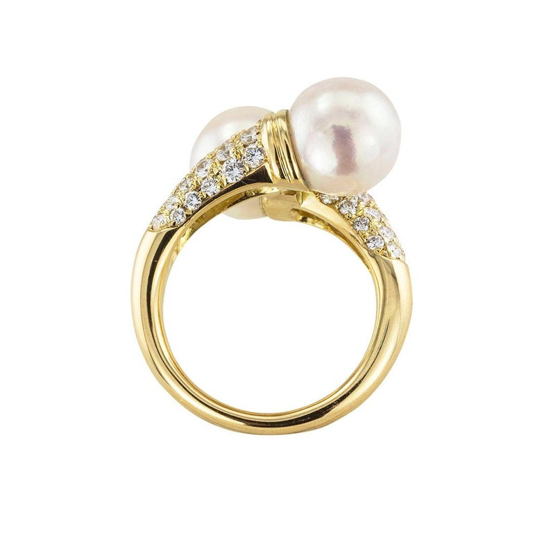 Cultured Pearl Diamond Yellow Gold Bypass Ring In Good Condition For Sale In Los Angeles, CA