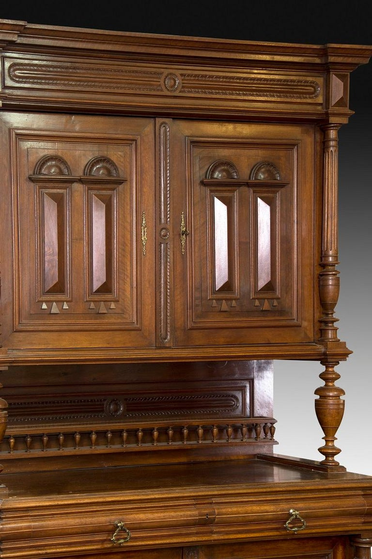Cupboard. Walnut, metal. 19th century. In Good Condition For Sale In Madrid, ES