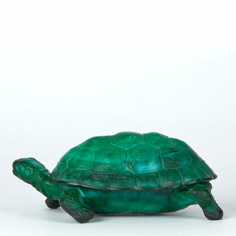 Curt Schlevogt Bohemian Art Deco Malachite Glass Tortoise Container For Sale 4