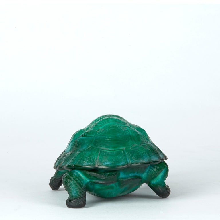 Curt Schlevogt Bohemian Art Deco Malachite Glass Tortoise Container For Sale 5
