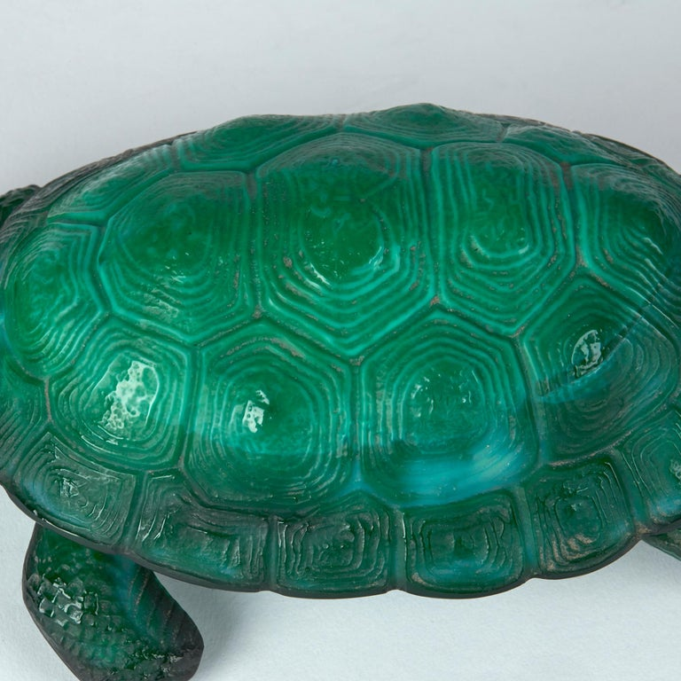 Curt Schlevogt Bohemian Art Deco Malachite Glass Tortoise Container In Good Condition For Sale In Bishop's Stortford, Hertfordshire