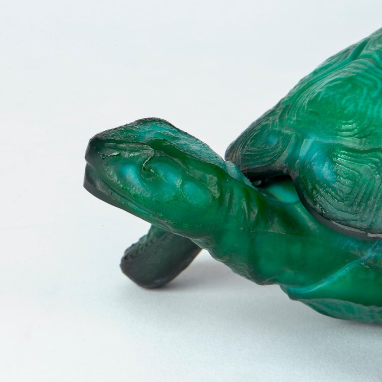 Curt Schlevogt Bohemian Art Deco Malachite Glass Tortoise Container For Sale 1