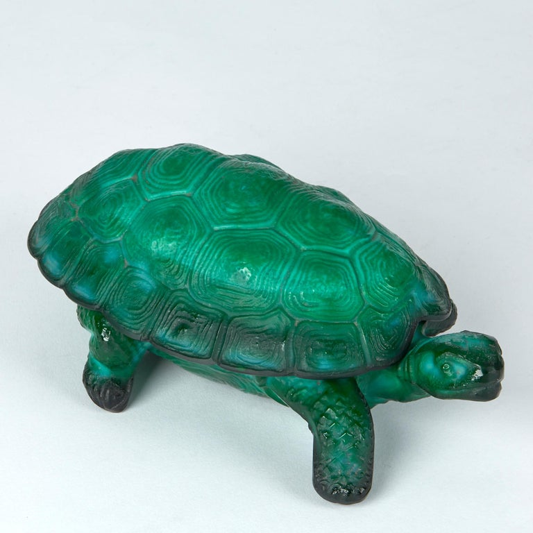 Curt Schlevogt Bohemian Art Deco Malachite Glass Tortoise Container For Sale 2