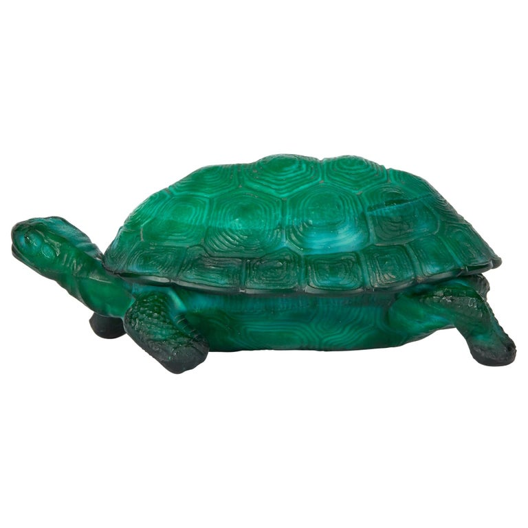 Curt Schlevogt Bohemian Art Deco Malachite Glass Tortoise Container For Sale