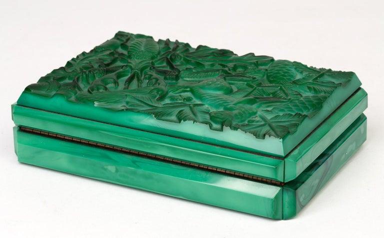 Curt Schlevogt Czech Art Deco Malachite Glass Squirrel & Stag Beetle Lidded Box In Good Condition For Sale In Bishop's Stortford, Hertfordshire