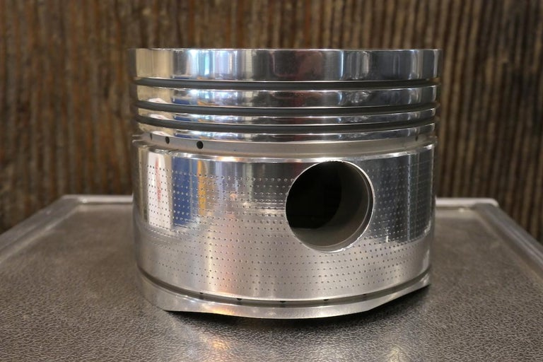 Curtiss-Wright R-1820 Cyclone Aircraft Engine Piston, Desk Accessory In Fair Condition For Sale In saint ouen, FR