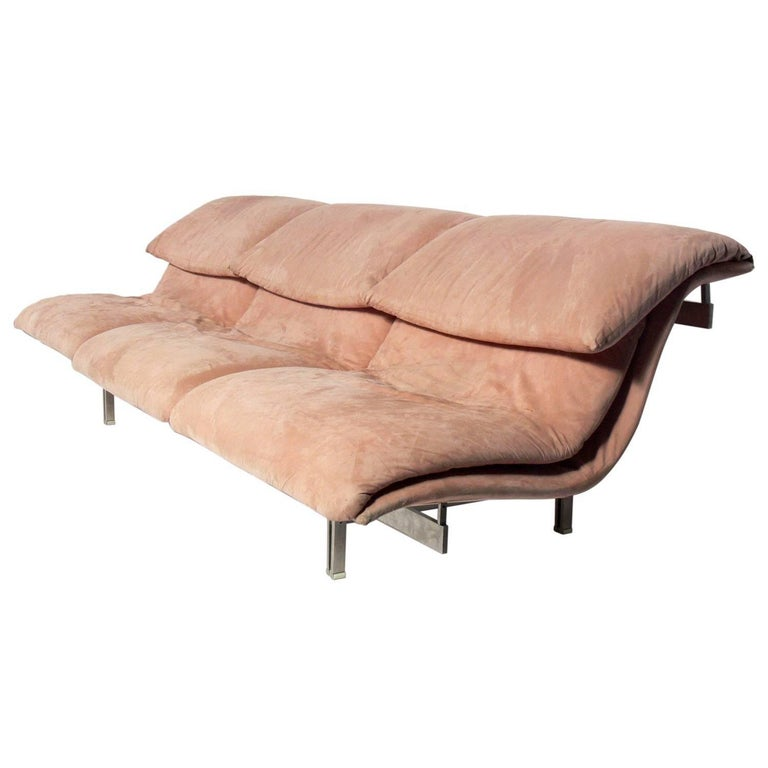 Curvaceous Italian Sofa by Saporiti For Sale at 1stdibs