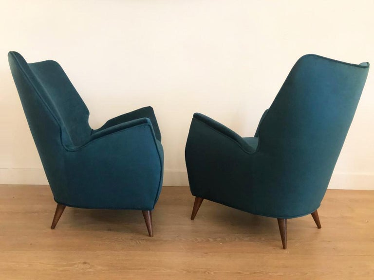Mid-Century Modern Italian Low Club Chairs In Excellent Condition For Sale In Miami, FL