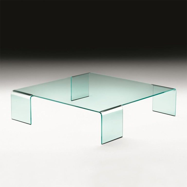 Coffee table curved glass made in 12 mm-thick curved glass. Exceptional piece. Available in: L 106 x D 106 x H 27 cm, price: 4300,00€. L 126 x D 126 x H 30 cm, price: 4800,00€.