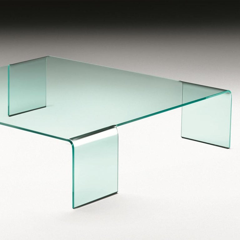 Curved Glass Coffee Table In New Condition For Sale In Paris, FR
