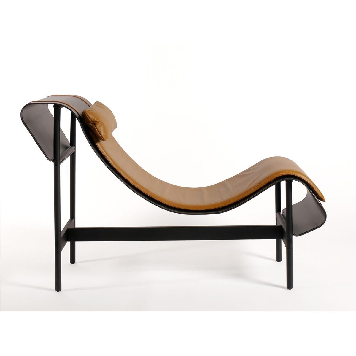 Cushion Leather Platform And Curved Chaise Longue K1JTFlc