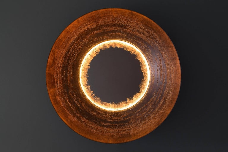 Curved Light Wall Sconce, Large, Etched, Gilt In New Condition For Sale In Brooklyn, NY