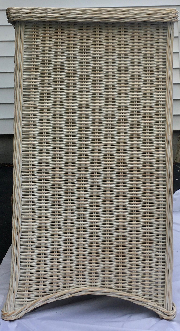 Curved Serpentine Draped Wicker Chest of Drawers In Good Condition For Sale In Lambertville, NJ