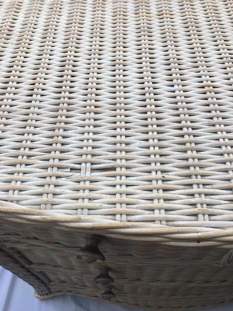 Curved Serpentine Draped Wicker Chest of Drawers For Sale 3