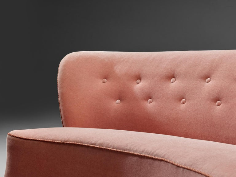 Mid-20th Century Curved Sofa by Otto Færge in Pink Upholstery For Sale