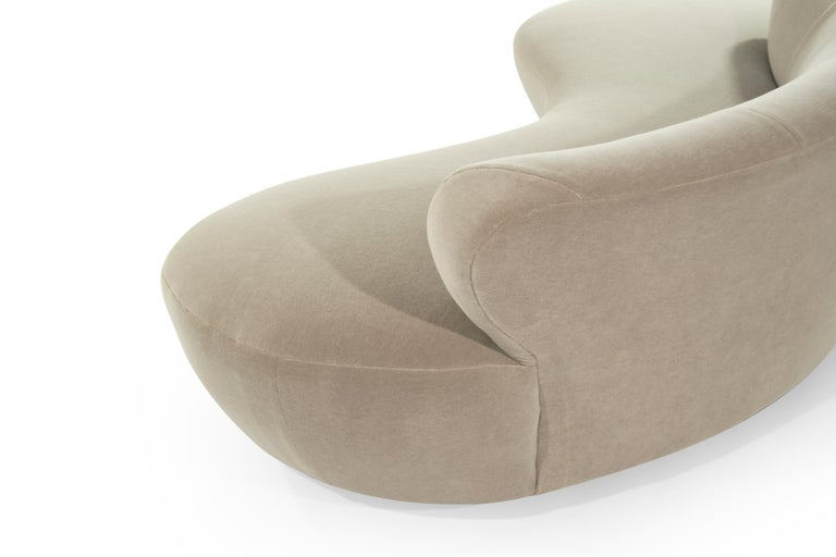 Curved Sofa on Walnut Bases by Vladimir Kagan For Sale 1