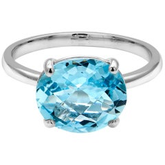 Cushion Aquamarine Prong Set in 18 Karats White Gold Fashion Ring