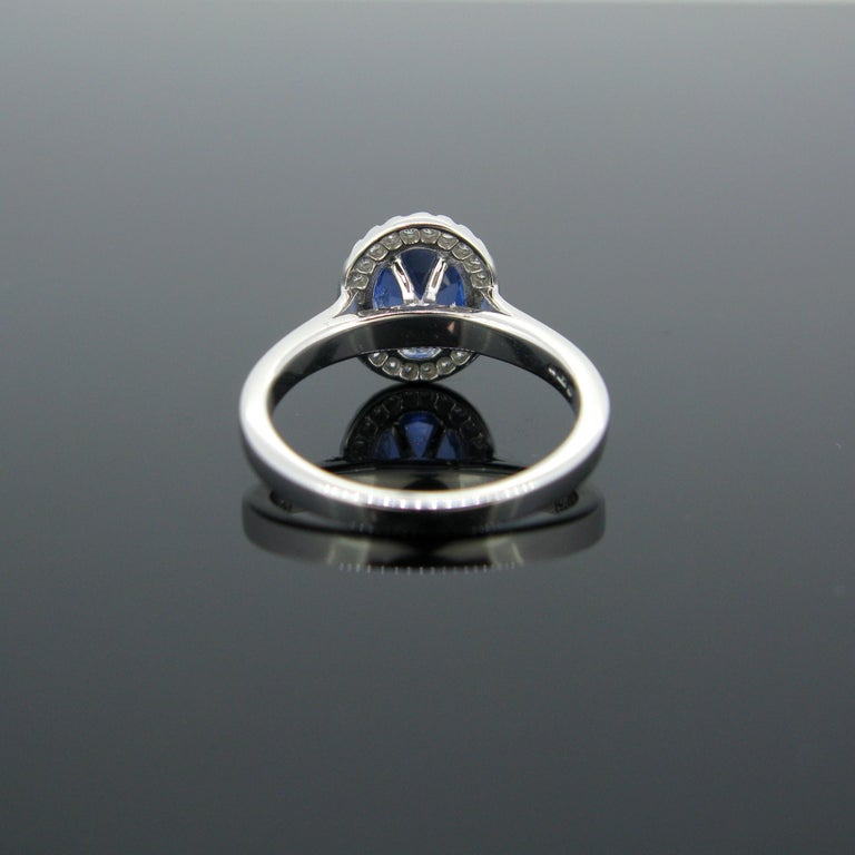 Cushion Ceylon Sapphire Certified Diamond Cluster Band Ring In New Condition For Sale In London, GB