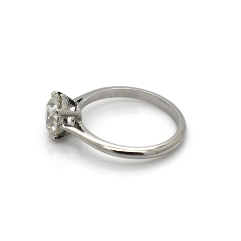Cushion Cut Diamond and Platinum Solitaire Ring, 1.64 Carat In New Condition For Sale In London, GB