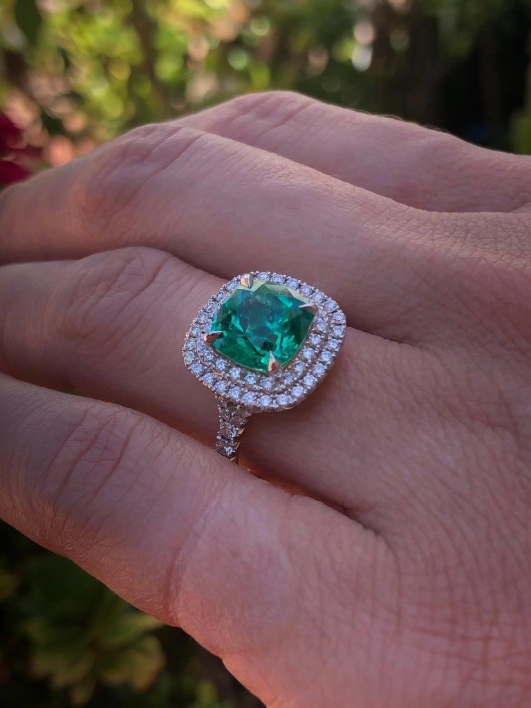 Colombian Emerald Ring Cushion Cut 2.82 Carats For Sale 5
