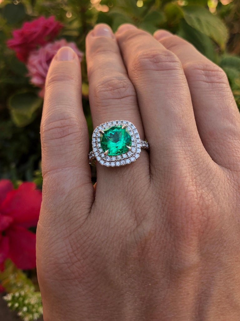 Colombian Emerald Ring Cushion Cut 2.82 Carats For Sale 6