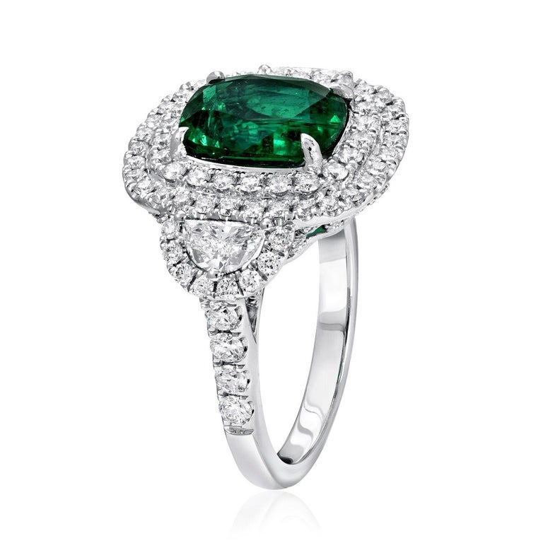Modern Cushion Cut Emerald Ring 2.77 Carats For Sale