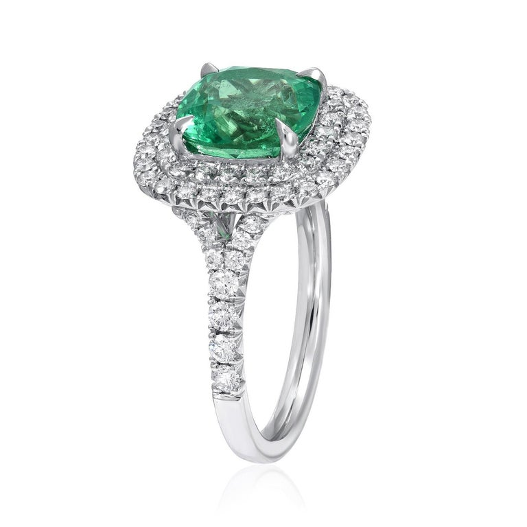 Modern Colombian Emerald Ring Cushion Cut 2.82 Carats For Sale
