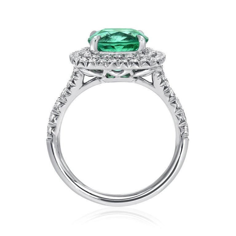 Colombian Emerald Ring Cushion Cut 2.82 Carats In New Condition For Sale In Beverly Hills, CA