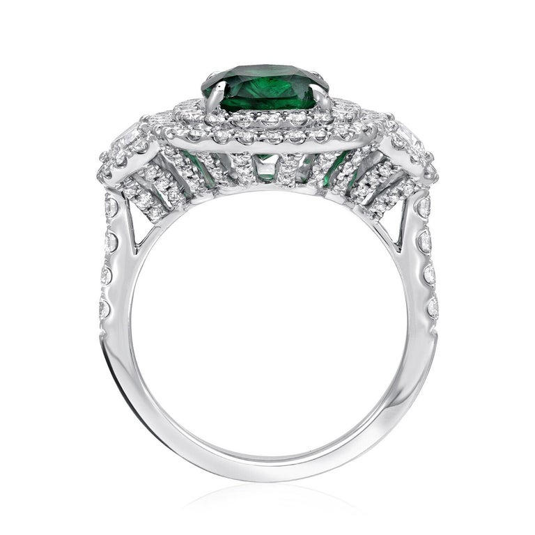 Emerald Ring 2.77 Carat Cushion Cut In New Condition For Sale In Beverly Hills, CA