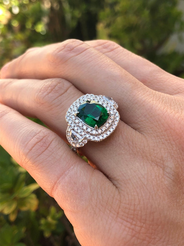 Emerald Ring 2.77 Carat Cushion Cut For Sale 1