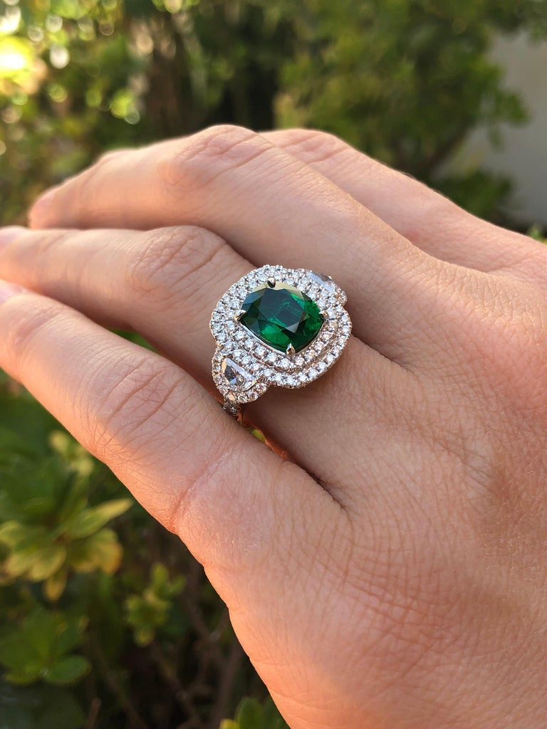 Emerald Ring 2.77 Carat Cushion Cut For Sale 2
