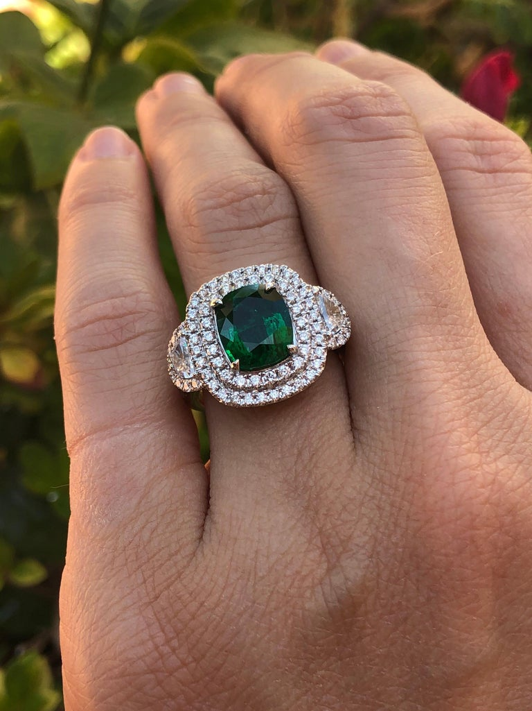 Emerald Ring 2.77 Carat Cushion Cut For Sale 3