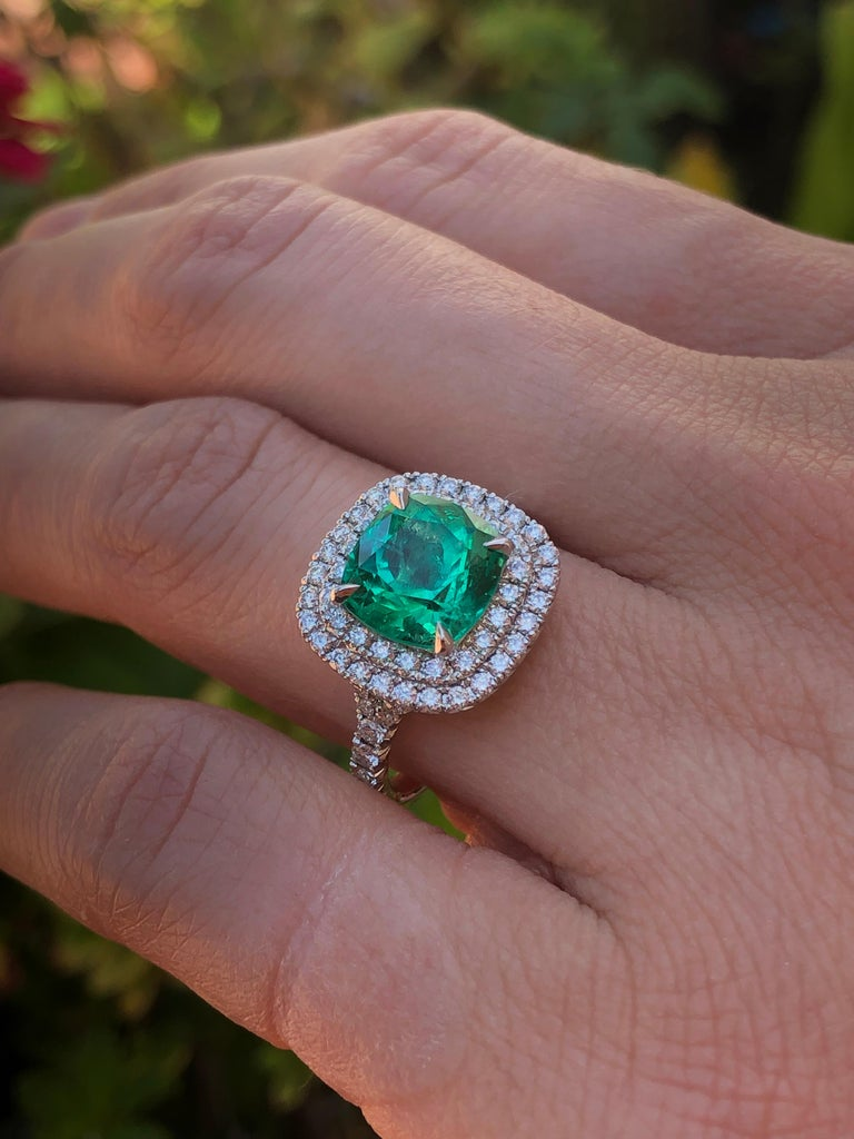 Colombian Emerald Ring Cushion Cut 2.82 Carats For Sale 4