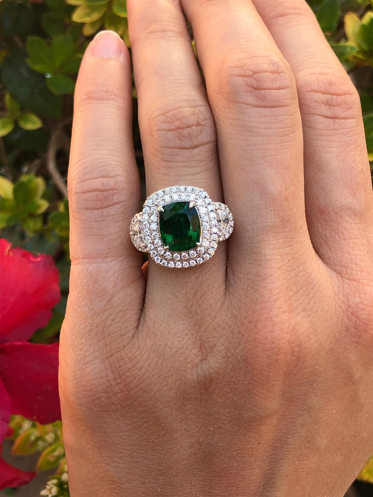 Emerald Ring 2.77 Carat Cushion Cut For Sale 4