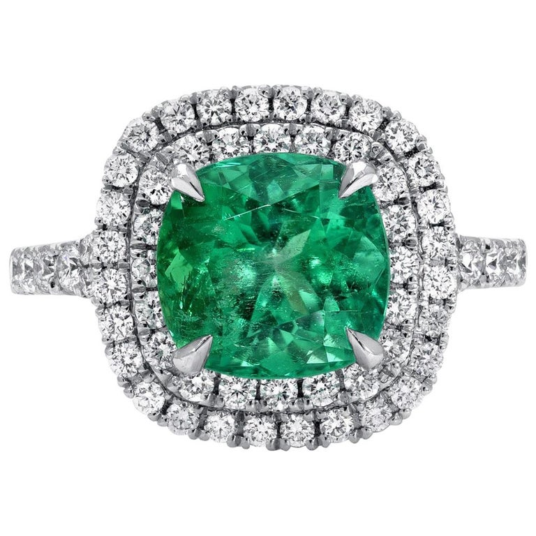Colombian Emerald Ring Cushion Cut 2.82 Carats For Sale