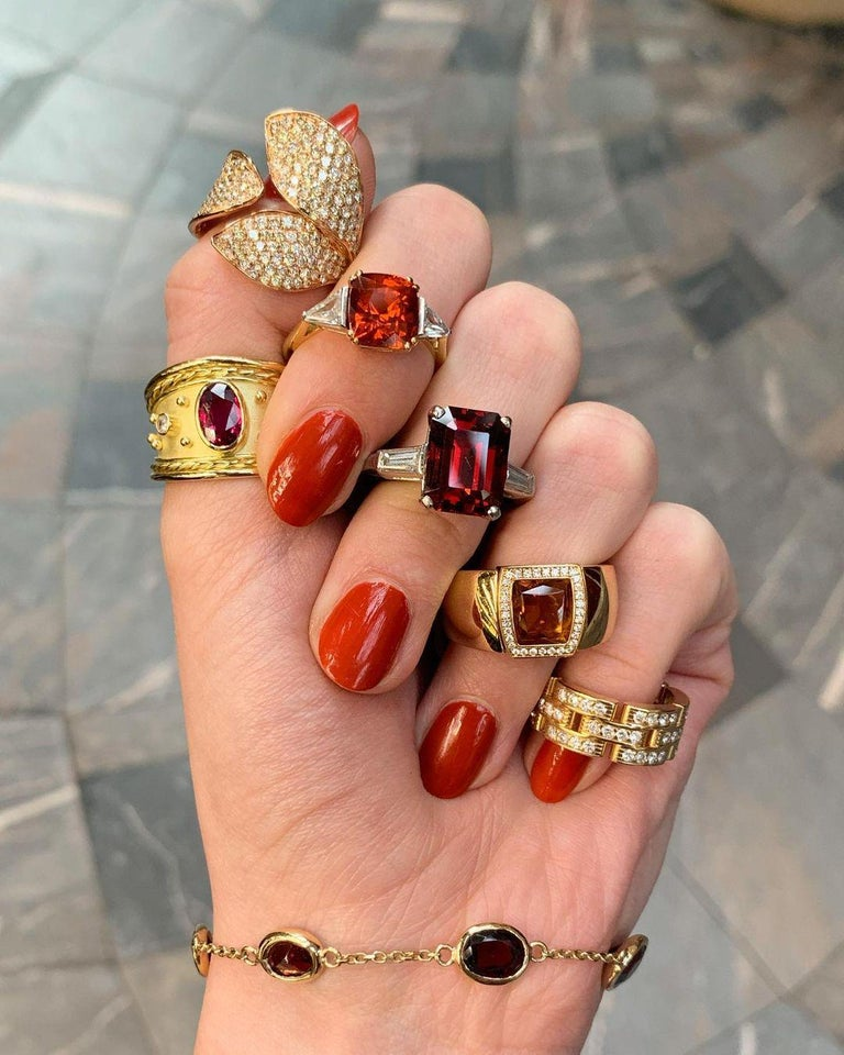 Cushion Cut Spessarite Garnet and Diamond / Dress Ring in 18 Karat Gold For Sale 1