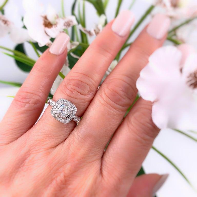 Cushion Diamond Engagement Ring 1.20 Carat 18 Karat White Gold For Sale 5