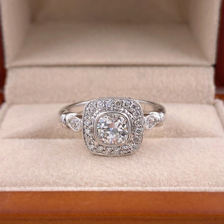 Cushion Diamond Engagement Ring 1.20 Carat 18 Karat White Gold In Excellent Condition For Sale In San Diego, CA