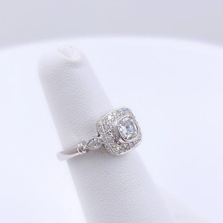 Cushion Diamond Engagement Ring 1.20 Carat 18 Karat White Gold For Sale 2