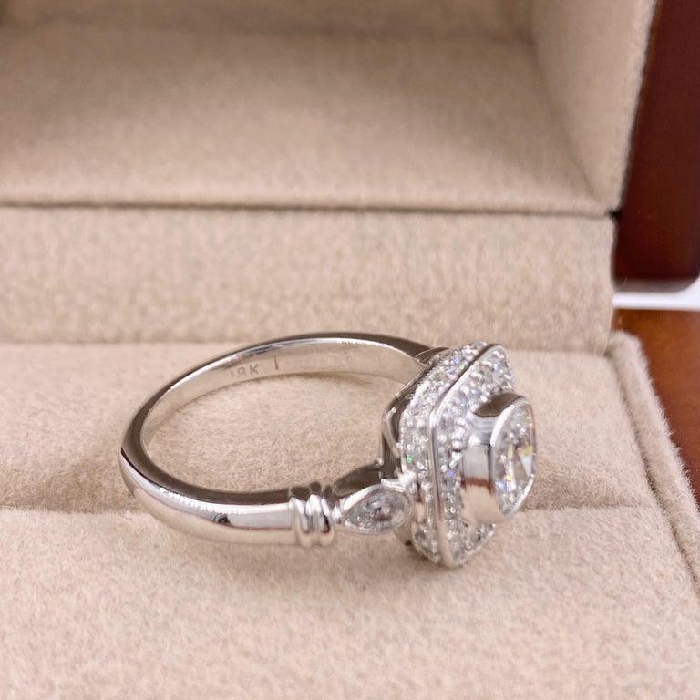 Cushion Diamond Engagement Ring 1.20 Carat 18 Karat White Gold For Sale 4