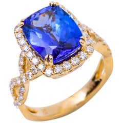 Cushion Shape Tanzanite and Diamond Yellow Gold Cocktail Ring 4.62 Carat
