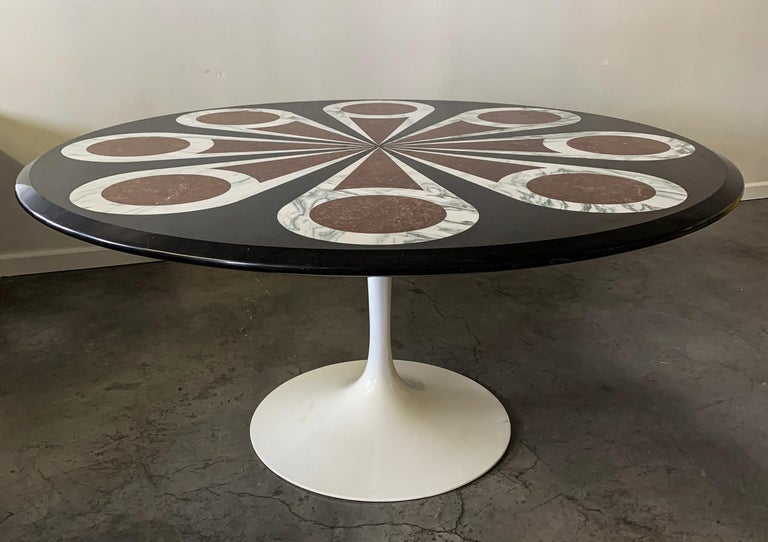 Custom Designed Marble Inlay Knoll Saarinen Dining Table In Good Condition For Sale In Las Vegas, NV