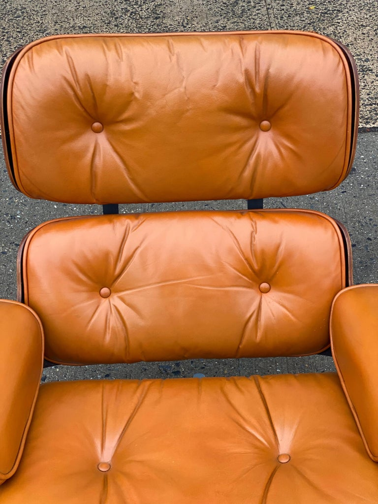 Mid-Century Modern Custom Eames Lounge Chair and Ottoman in Burnt Orangr For Sale