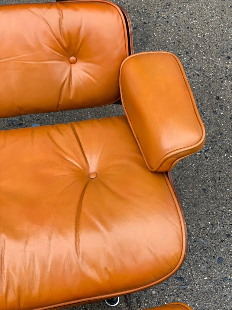 20th Century Custom Eames Lounge Chair and Ottoman in Burnt Orangr For Sale