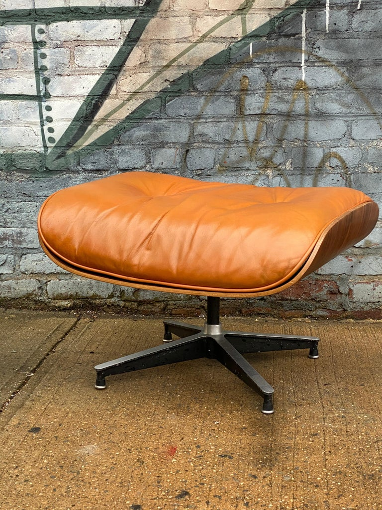 Custom Eames Lounge Chair and Ottoman in Burnt Orangr For Sale 2