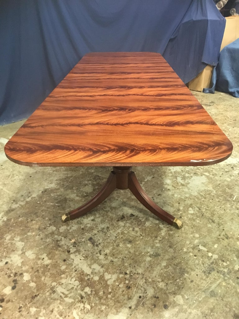 Custom Leighton Hall Traditional Mahogany Pedestal Dining Table In New Condition For Sale In Suwanee, GA